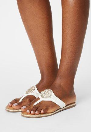ESSENTIAL FLAT - T-bar sandals - ecru