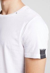 Replay - T-shirt basic - white - 5