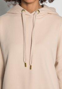 Rich & Royal - ORGANIC FELPA HOODIE - Sweatshirt - beige - 4
