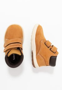 Timberland - TODDLE TRACKS BOOT - Baby shoes - wheat - 0