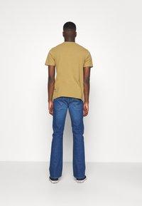 Lee - TRENTON - Jeans straight leg - mid blue - 2