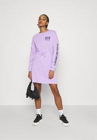 Even&Odd - sweat mini drawstring waist dress - Day dress - lilac/black - 1
