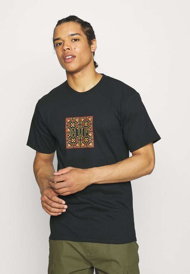 MOROCCAN TILE BOX TEE - T-shirt med print - black
