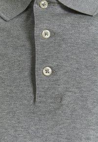 Polo Ralph Lauren - CUSTOM SLIM FIT SOFT COTTON POLO SHIRT - Polotričko - steel heather - 2