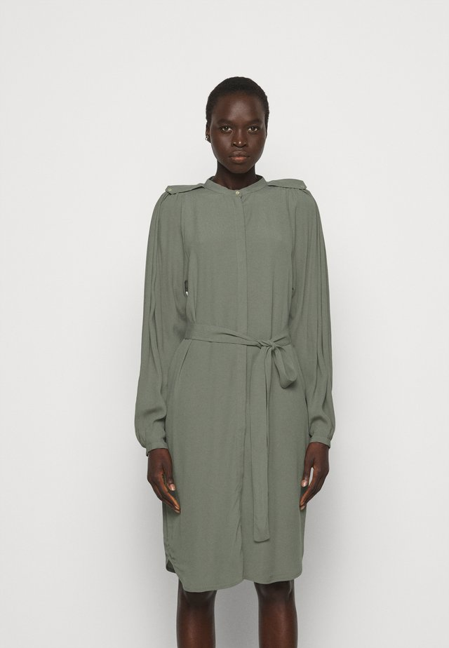 LILLI CACILIA SHIRT DRESS - Shirt dress - moss