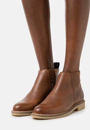 SAGRES - Classic ankle boots - cognac