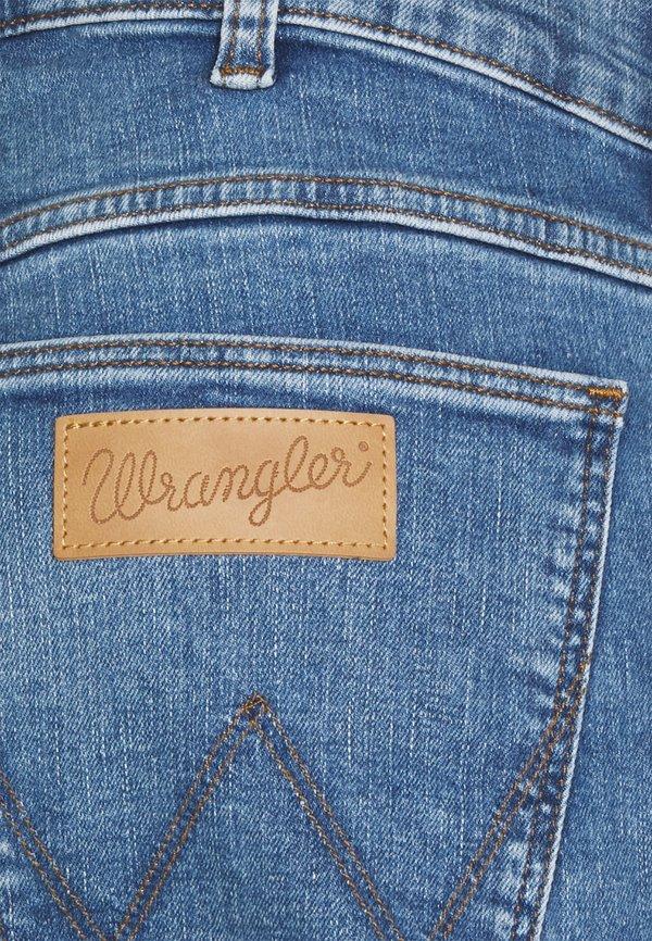 Wrangler GREENSBORO - Jeansy Straight Leg - more blues/jasnoniebieski Odzież Męska TKLZ