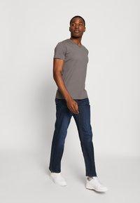 Esprit - Basic T-shirt - dark grey - 1