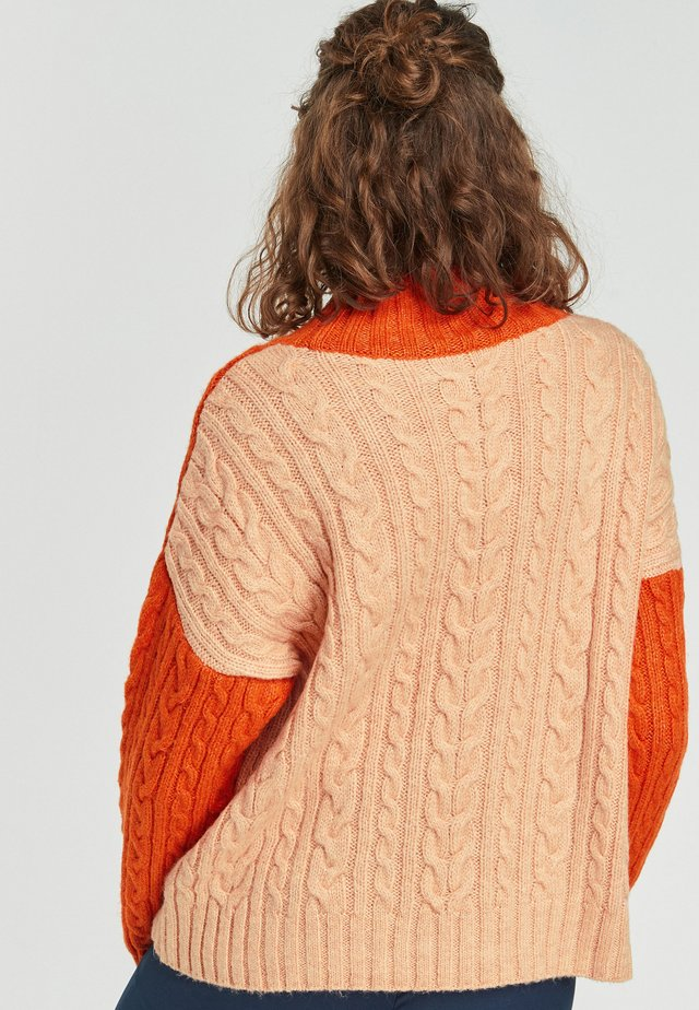 CABLE BLOCKED - Sweter - orange