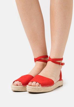 KAIRA - Sandals - red