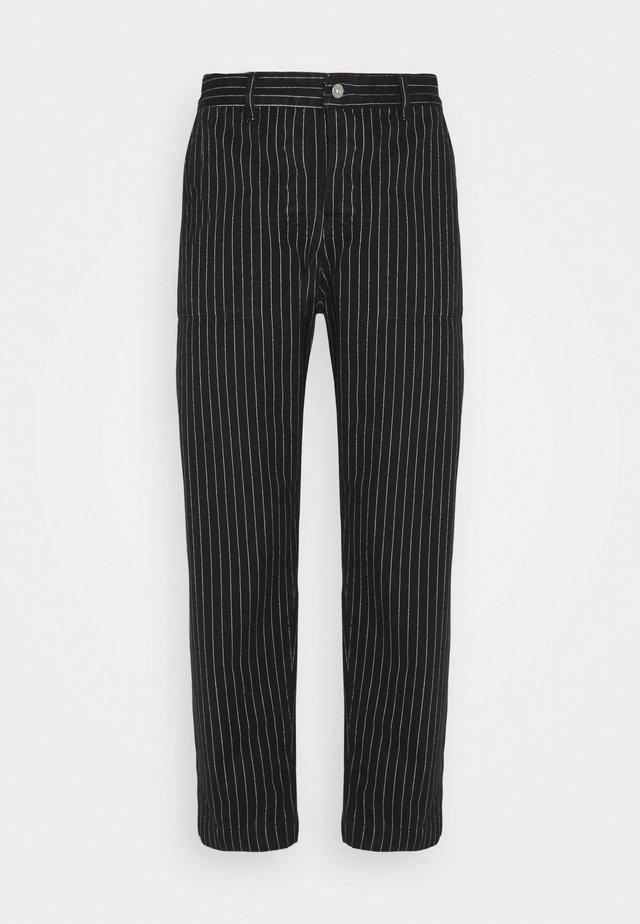 PAINTER MAN PANT - Pantalon classique - black