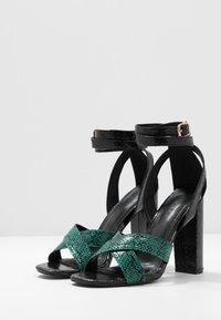 co wren wide fit - Sandaler med høye hæler - green - 4