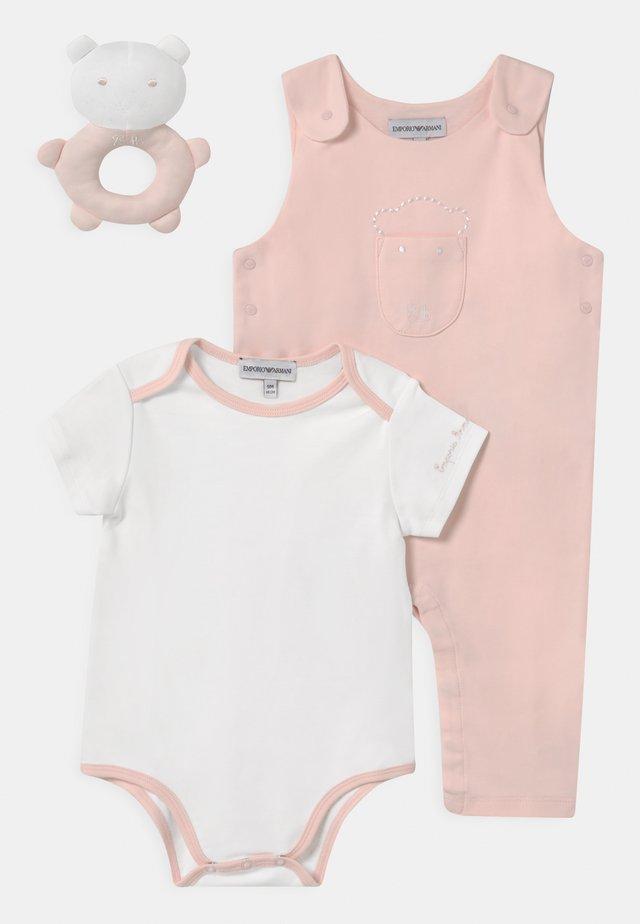 SET - T-shirt print - light pink