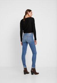 Esprit - SKINNY - Jeans Skinny Fit - blue light wash - 2