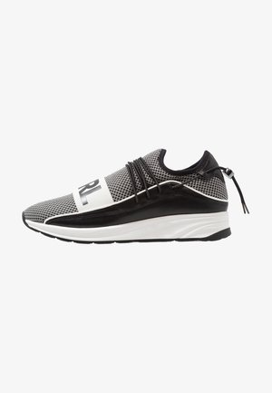 VEKTOR BAND - Trainers - black/white