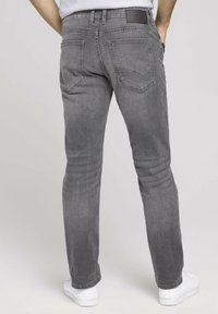 TOM TAILOR - TAVIS REGULAR  - Straight leg jeans - used light stone grey denim - 2