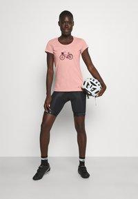 Vaude - WOMEN'S CYCLIST - T-shirt con stampa - soft rose - 1