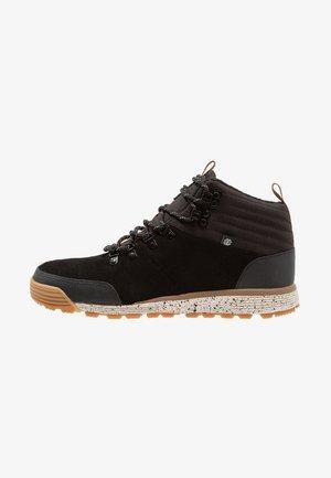 DONNELLY LIGHT - Skate shoes - black
