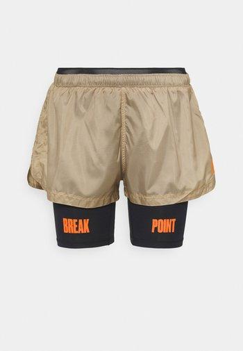 NIGHT SHORTS - Sports shorts - cornstalk