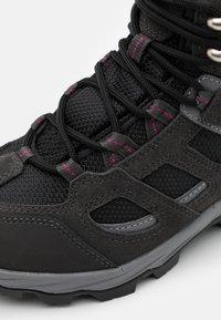 Jack Wolfskin - VOJO 3 TEXAPORE MID - Hiking shoes - dark steel/purple - 5