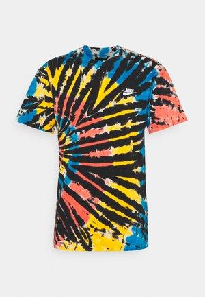 TEE TIE DYE - Print T-shirt - black/bright crimson/white