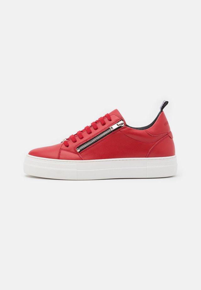 ZIPPER - Baskets basses - red
