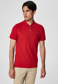 Selected Homme - SLHARO EMBROIDERY - Polo shirt - red - 0
