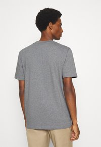 Selected Homme - SLHRELAXCOLMAN O NECK TEE - Basic T-shirt - medium grey melange - 2