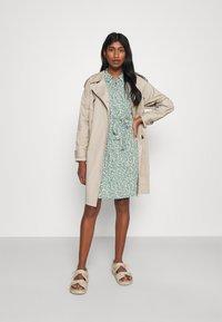Vero Moda - VMLIVA SHORT SHIRT DRESS - Shirt dress - laurel wreath/liva - 1