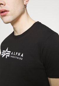Alpha Industries - ALPHA LABEL 2 PACK - T-shirt con stampa - black - 6
