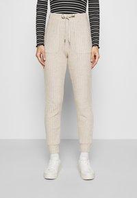 Kaffe - LUANA PANTS - Trousers - beige melange - 0