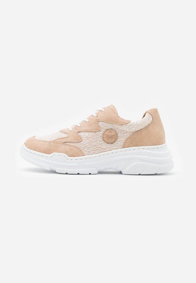 Sneakersy niskie - altrosa