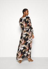 Object Tall - OBJLILITI LONG DRESS - Kjole - black - 2