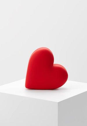 HEARTEXTERNAL BATTERY - Power bank - red