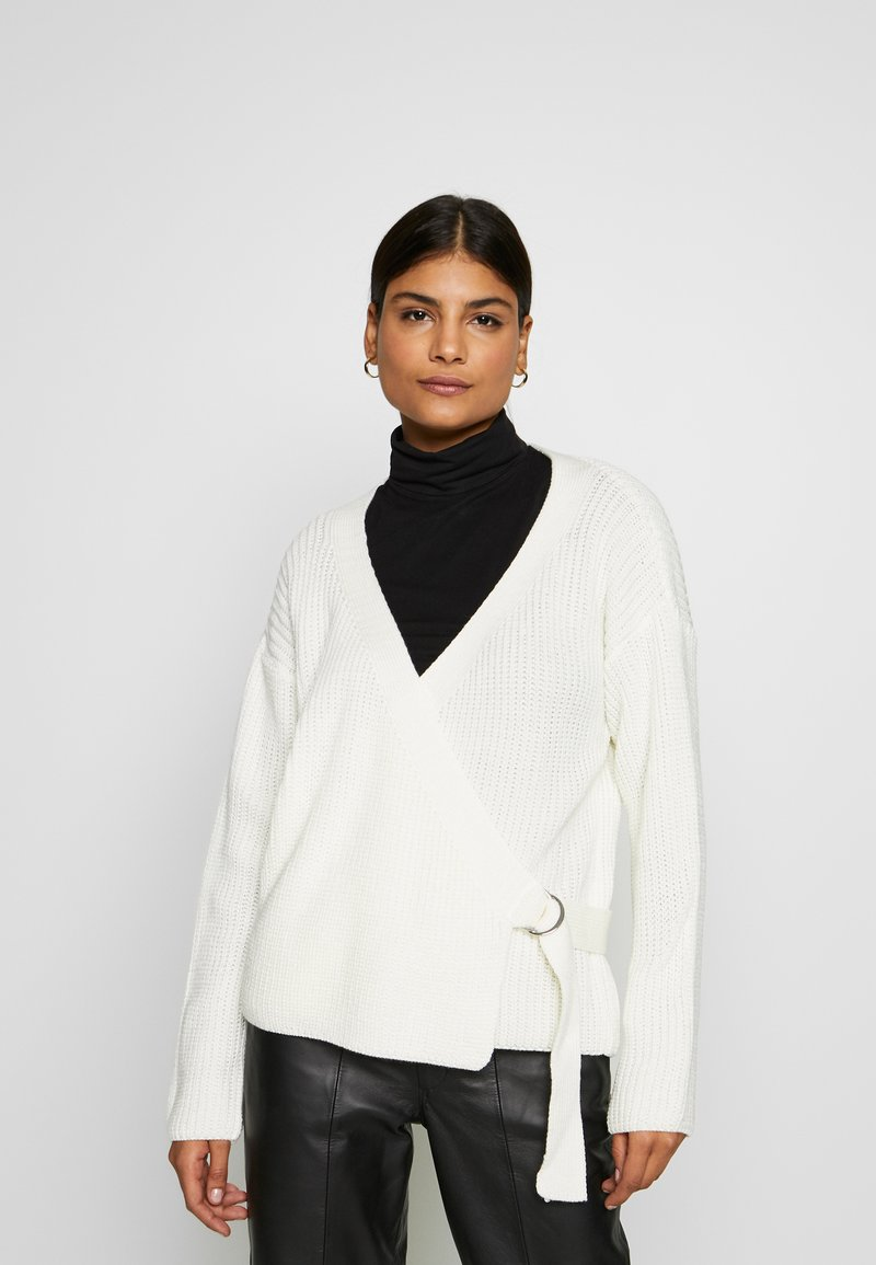 Missguided - D RING BELTED WRAP FRONT CARDIGAN - Cardigan - cream