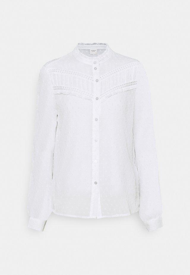 JDYEMILIA - Button-down blouse - cloud dancer