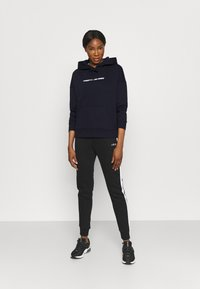 Tommy Hilfiger - RELAXED GRAPHIC HOODIE - Sweat à capuche - blue - 1