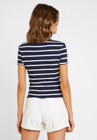 Tommy Jeans - STRIPED BABYLOCK TEE - Print T-shirt - black iris/classic white - 2