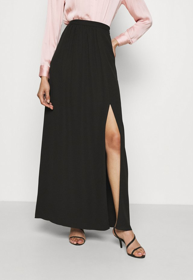 SHIRRED SIDE SLIT SKIRT - Maxi sukně - black