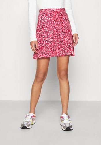 Mini skirt - white/red