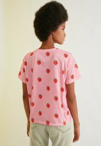 Trendyol - Print T-shirt - pink - 1