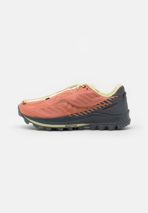 PEREGRINE 11 - Zapatillas de trail running - rust/charcoal