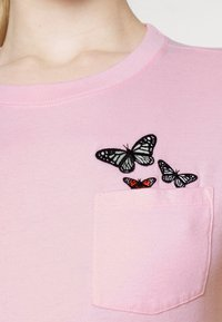 Hollister Co. - TEE - T-shirts med print - pink - 4