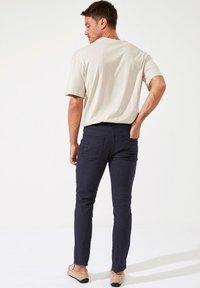 DeFacto - Pantalon classique - navy - 2
