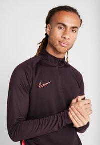 Nike Performance - DRY  - Camiseta de deporte - burgundy ash/racer pink - 3