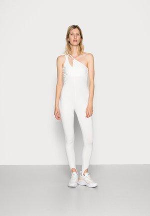VANESSA HONG x BIRGITTE HERSKIND HONG - Jumpsuit - white