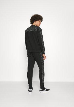 REFLECTIVE PRINT - Sweater - black
