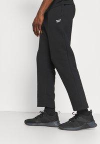 Reebok - IDENTITY - Pantaloni sportivi - black - 3