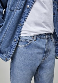 PULL&BEAR - Džíny Straight Fit - blue - 4