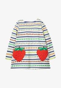 bunte früchte/streifen, erdbeeren